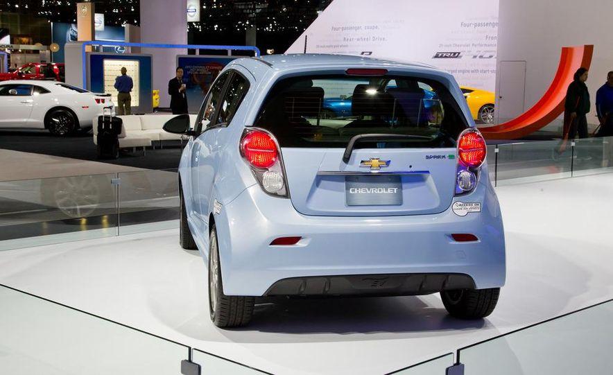 2014 Chevrolet Spark EV - Slide 7