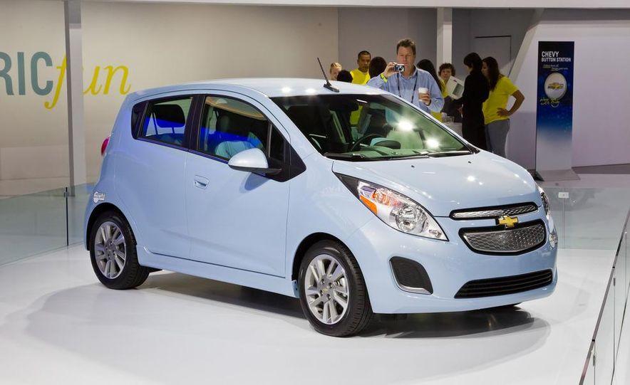 2014 Chevrolet Spark EV - Slide 13