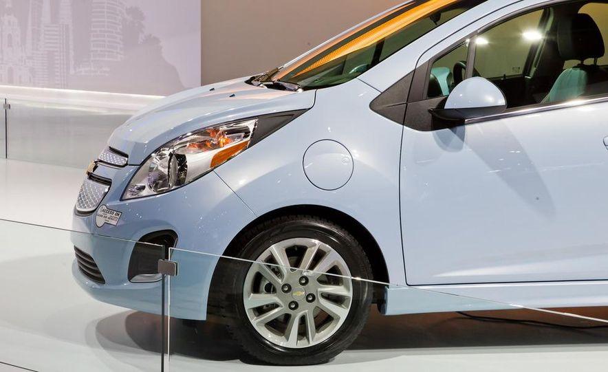 2014 Chevrolet Spark EV - Slide 14