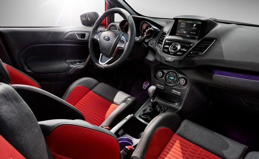 2014 Ford Fiesta ST - Slide 47