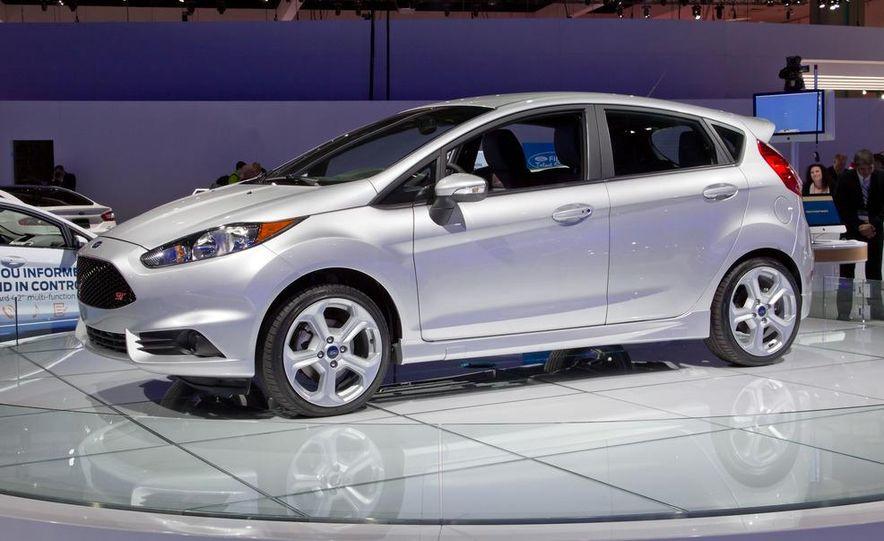 2014 Ford Fiesta ST - Slide 10