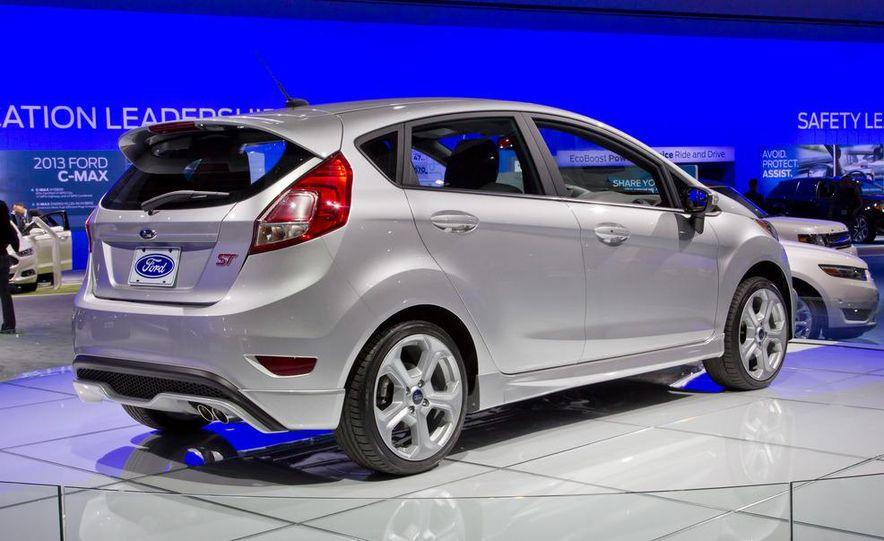 2014 Ford Fiesta ST - Slide 5