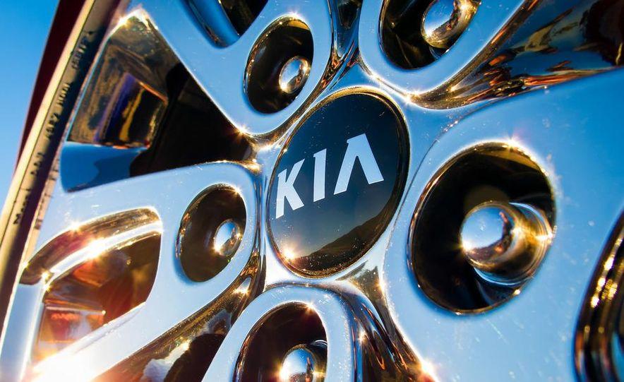 2014 Kia Sorento SXL - Slide 28