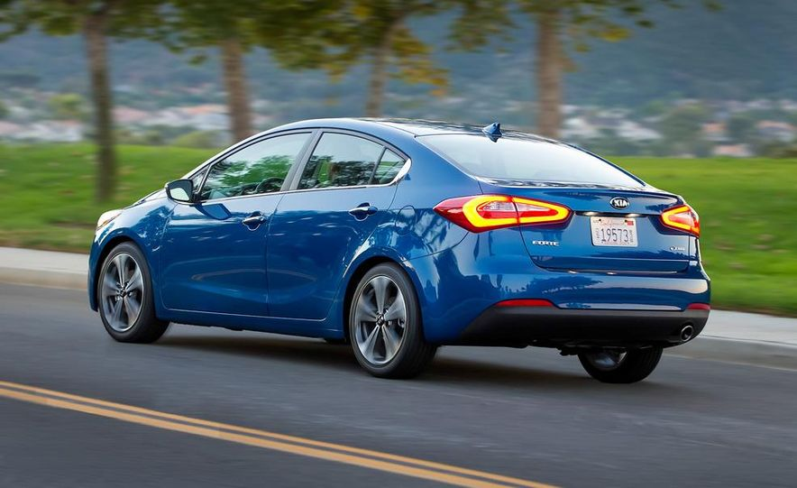 2014 Kia Forte EX GDI sedan - Slide 22
