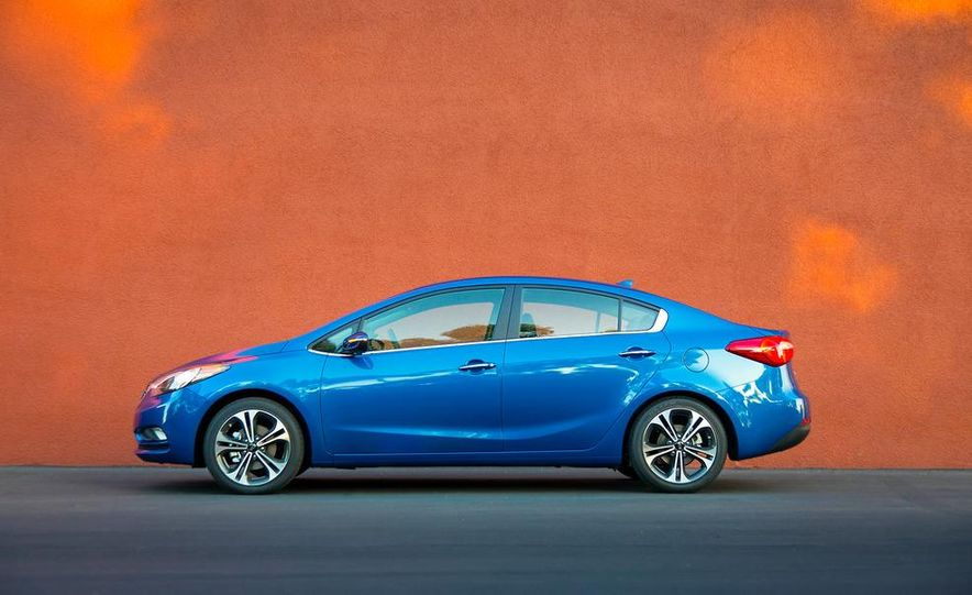 2014 Kia Forte EX GDI sedan - Slide 26