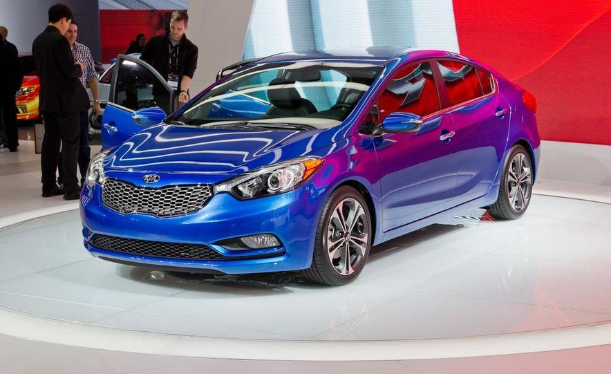 2014 Kia Forte EX GDI sedan - Slide 2