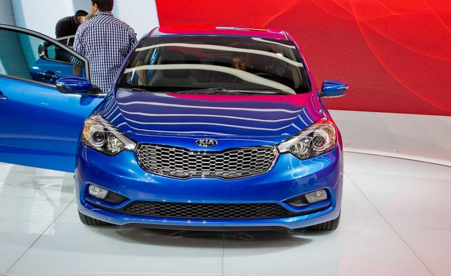 2014 Kia Forte EX GDI sedan - Slide 4