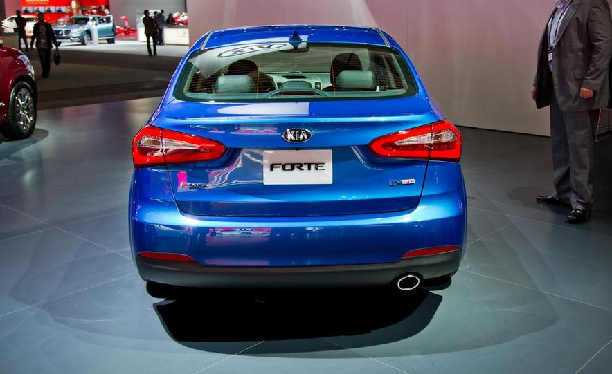 2014 Kia Forte EX GDI sedan - Slide 8