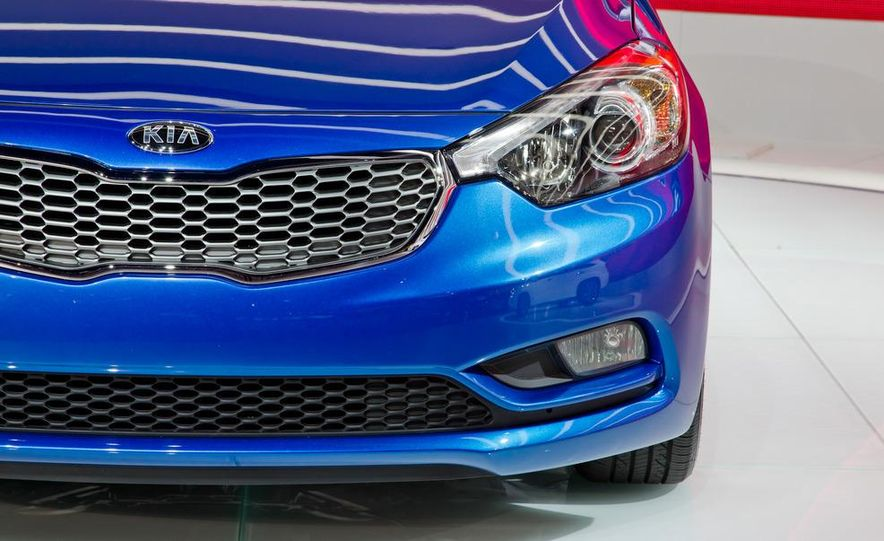 2014 Kia Forte EX GDI sedan - Slide 9
