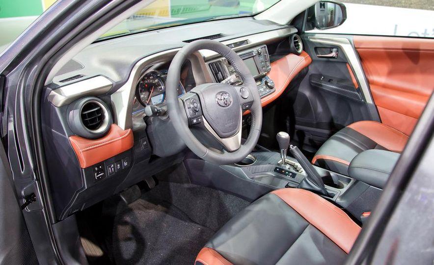2013 Toyota RAV4 Limited - Slide 14