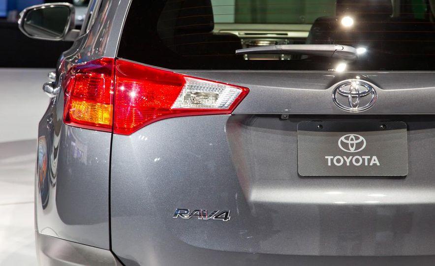 2013 Toyota RAV4 Limited - Slide 13