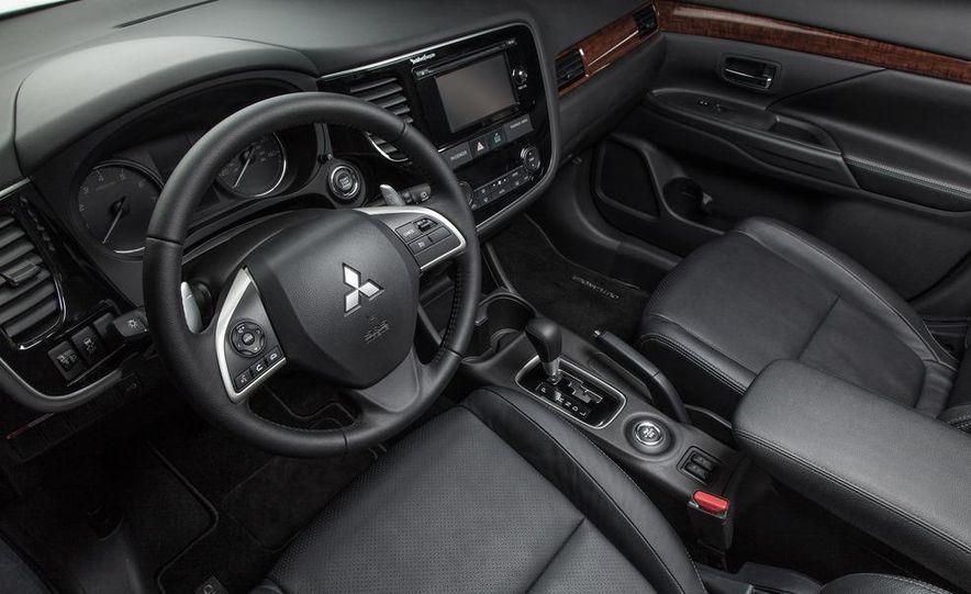 2014 Mitsubishi Outlander GT - Slide 50