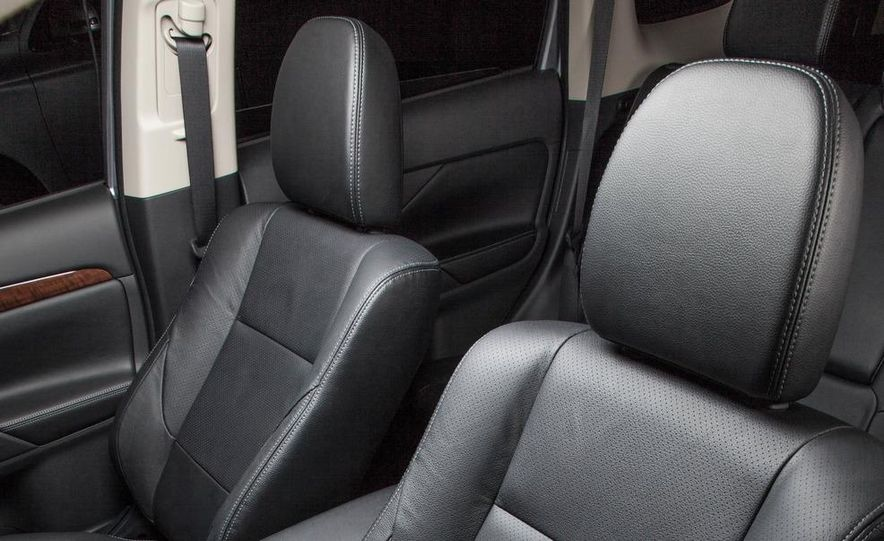 2014 Mitsubishi Outlander GT - Slide 52