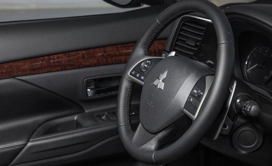 2014 Mitsubishi Outlander GT - Slide 57