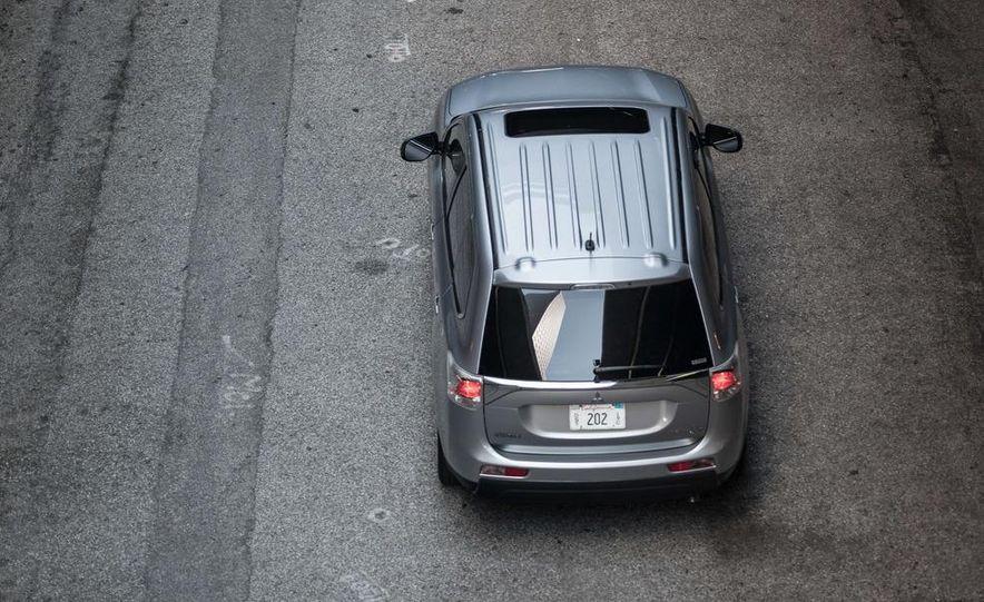 2014 Mitsubishi Outlander GT - Slide 45