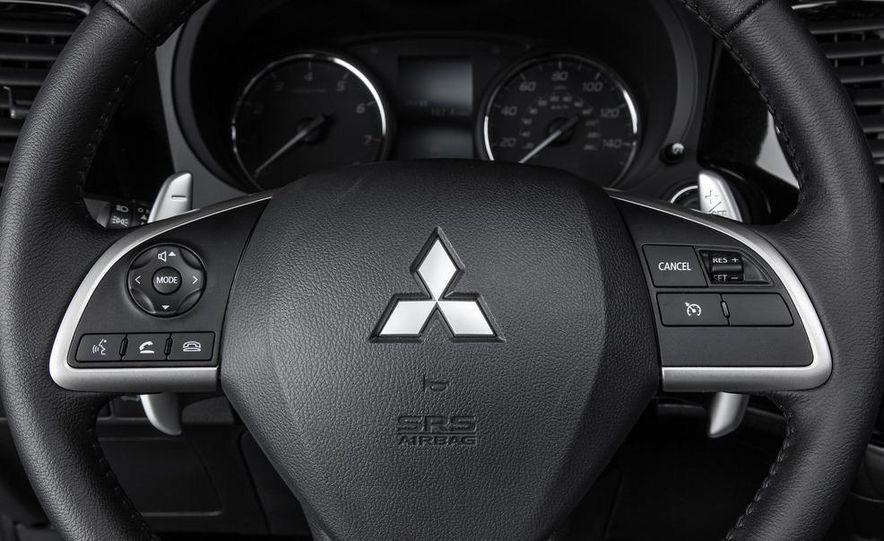 2014 Mitsubishi Outlander GT - Slide 62