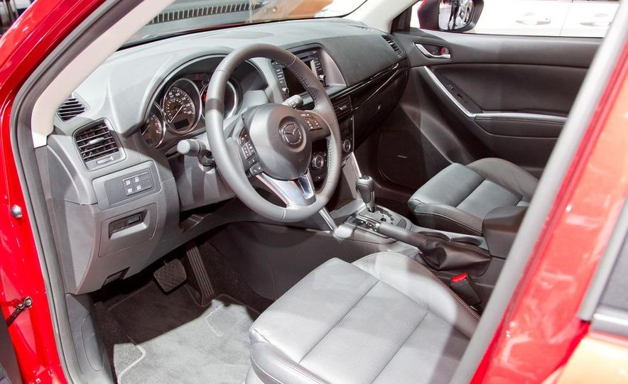 2014 Mazda CX-5 Touring AWD - Slide 12