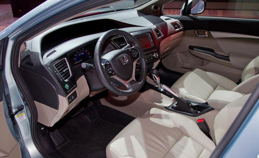 2013 Honda Civic Si sedan - Slide 33