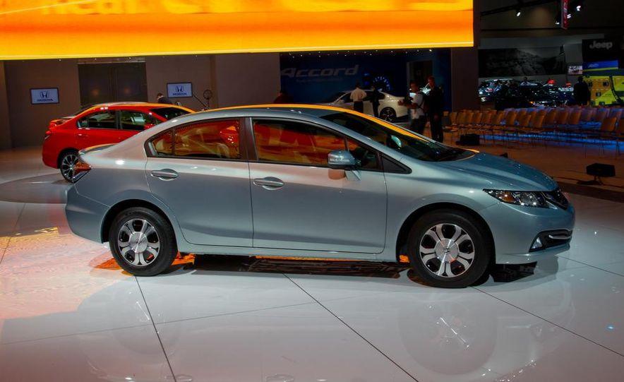 2013 Honda Civic Si sedan - Slide 23