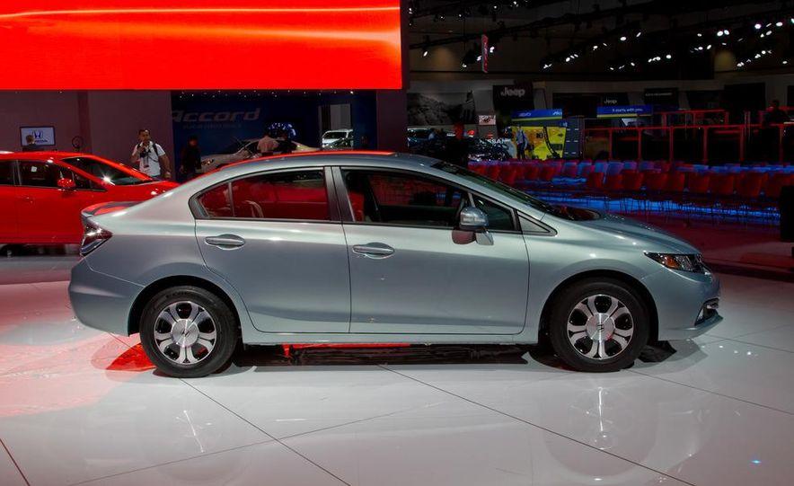 2013 Honda Civic Si sedan - Slide 24