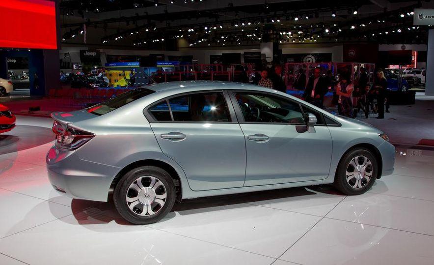 2013 Honda Civic Si sedan - Slide 25
