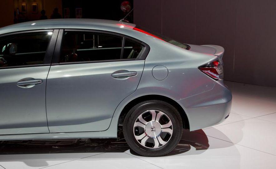 2013 Honda Civic Si sedan - Slide 32