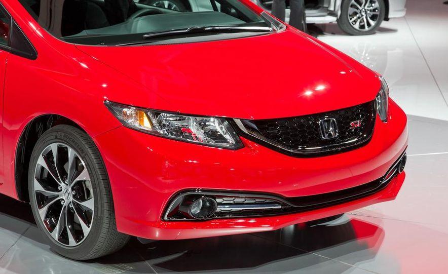2013 Honda Civic Si sedan - Slide 13