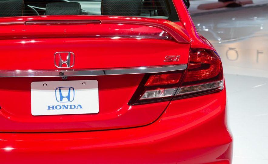 2013 Honda Civic Si sedan - Slide 18
