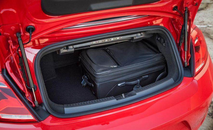 2013 Volkswagen Beetle convertible turbos - Slide 28