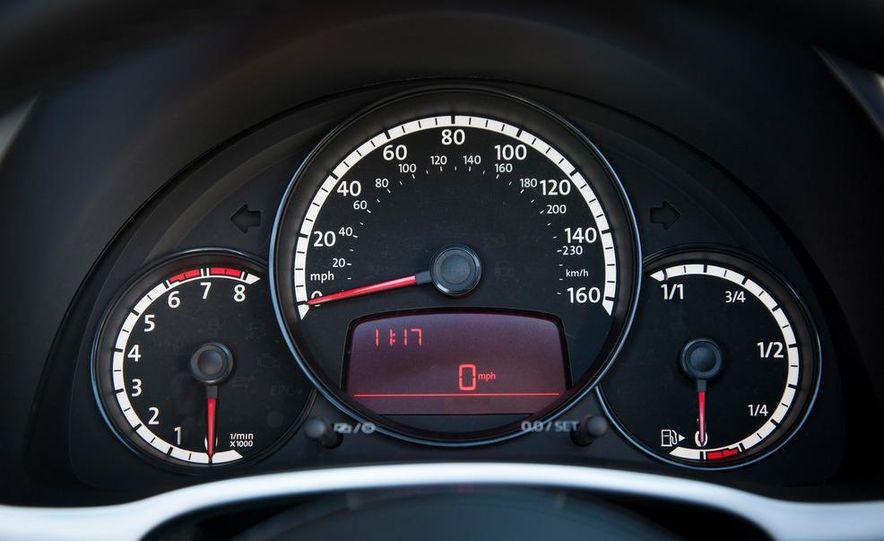 2013 Volkswagen Beetle convertible turbos - Slide 52