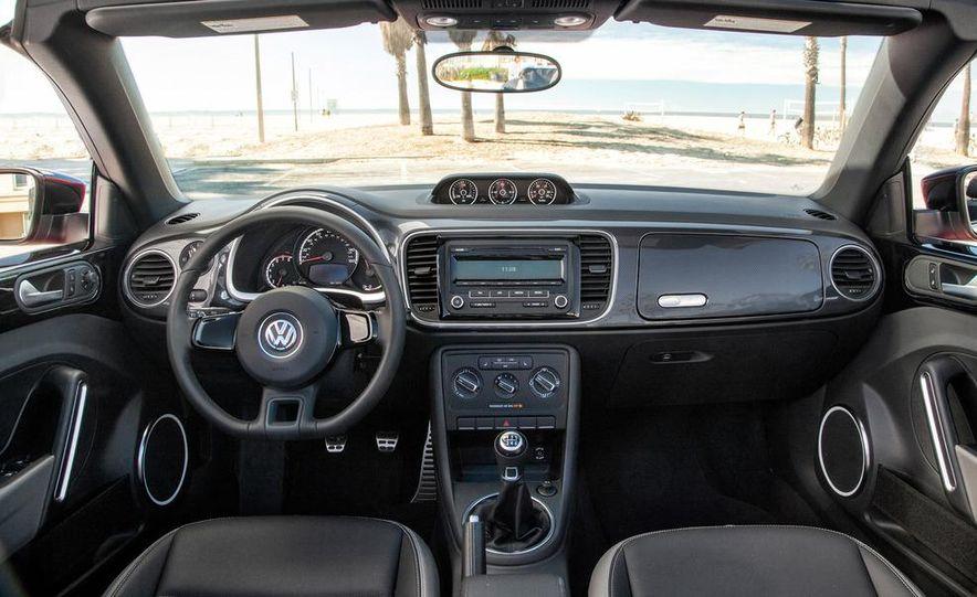 2013 Volkswagen Beetle convertible turbos - Slide 40