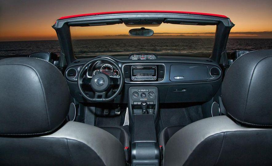 2013 Volkswagen Beetle convertible turbos - Slide 47