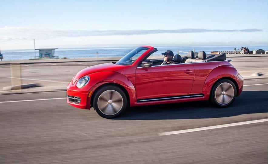 2013 Volkswagen Beetle convertible turbos - Slide 5