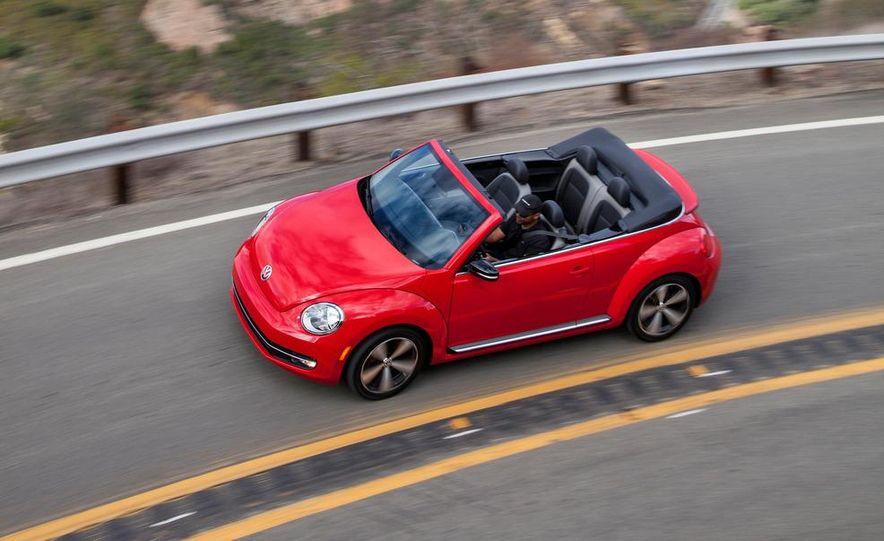 2013 Volkswagen Beetle convertible turbos - Slide 7