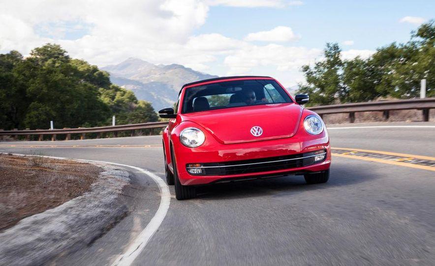 2013 Volkswagen Beetle convertible turbos - Slide 9