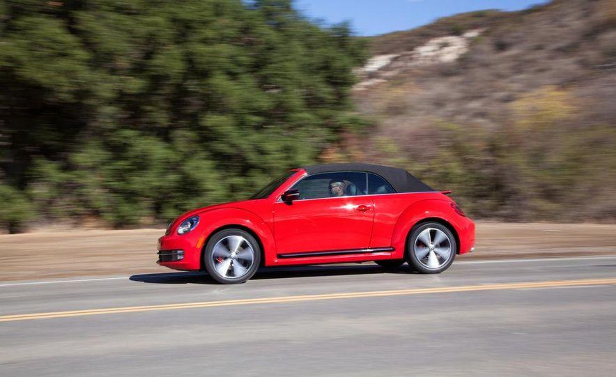 2013 Volkswagen Beetle convertible turbos - Slide 11