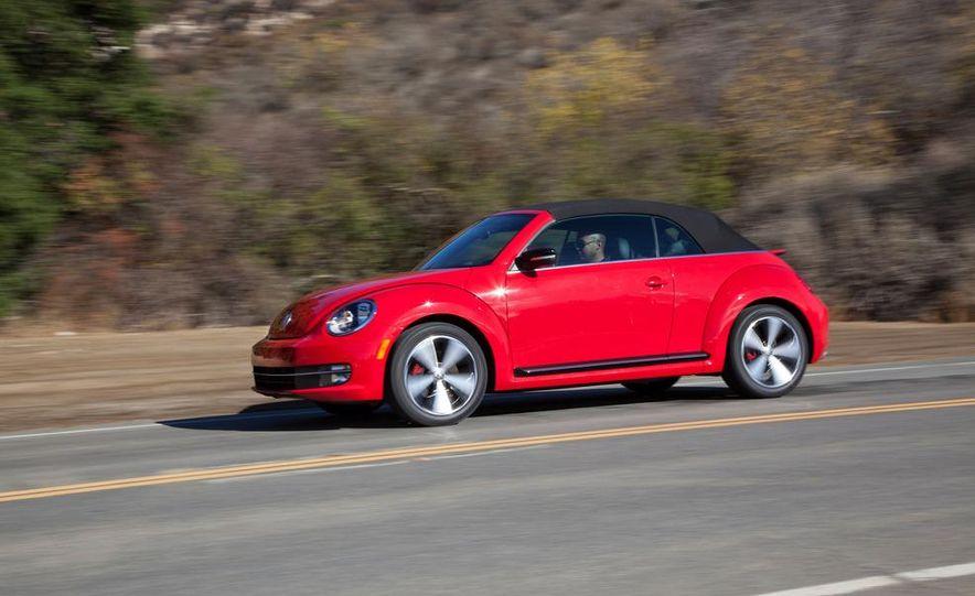 2013 Volkswagen Beetle convertible turbos - Slide 12
