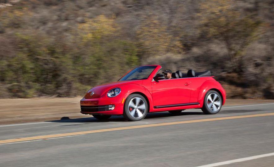2013 Volkswagen Beetle convertible turbos - Slide 13