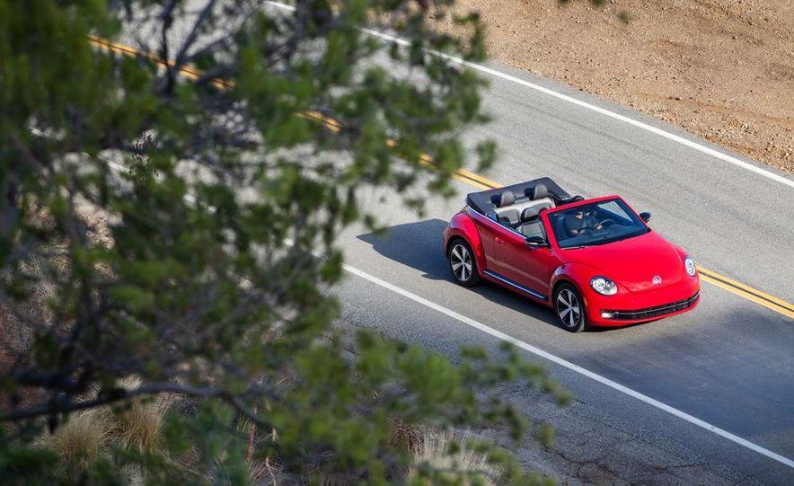 2013 Volkswagen Beetle convertible turbos - Slide 15