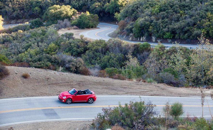 2013 Volkswagen Beetle convertible turbos - Slide 16