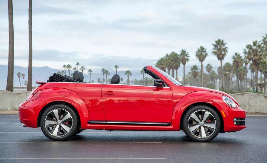 2013 Volkswagen Beetle convertible turbos - Slide 20
