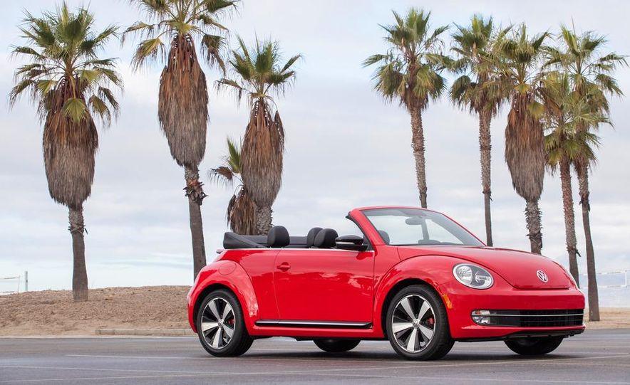 2013 Volkswagen Beetle convertible turbos - Slide 21