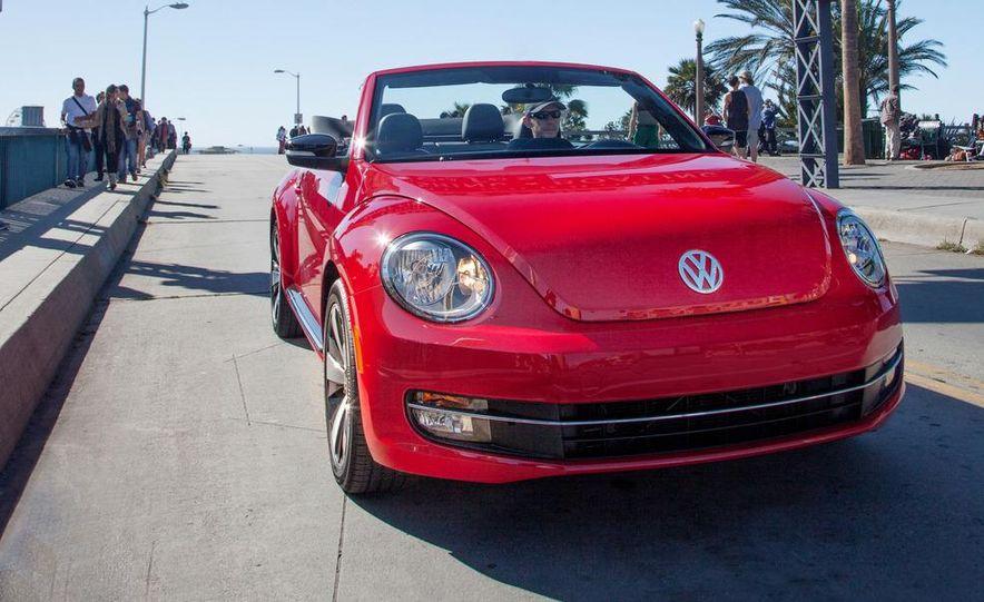 2013 Volkswagen Beetle convertible turbos - Slide 22