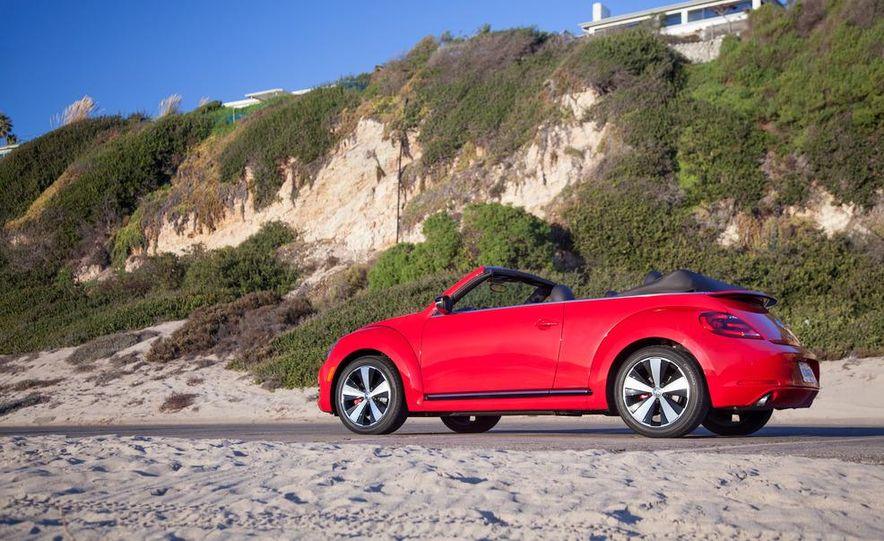 2013 Volkswagen Beetle convertible turbos - Slide 26