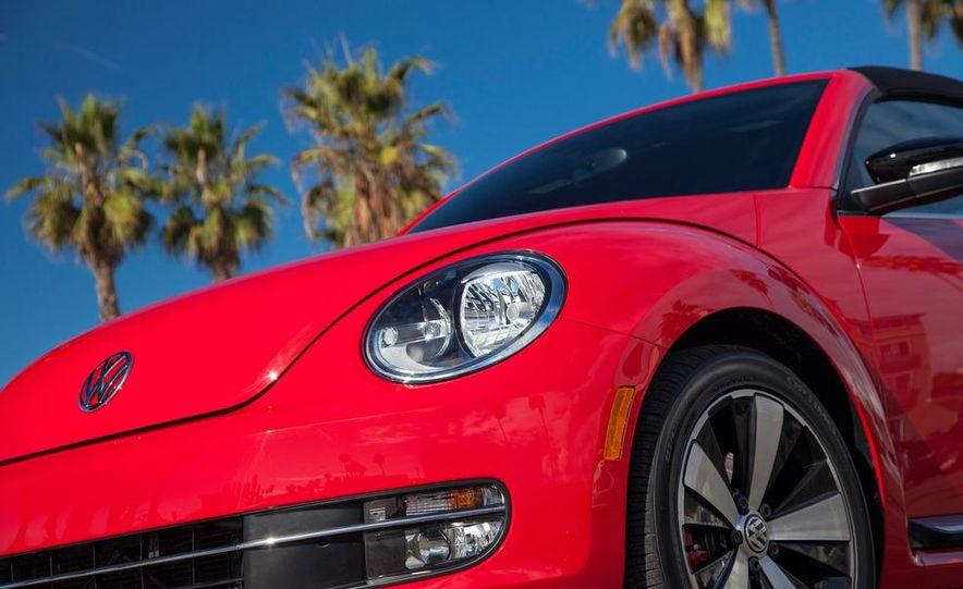 2013 Volkswagen Beetle convertible turbos - Slide 31