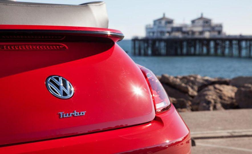 2013 Volkswagen Beetle convertible turbos - Slide 35