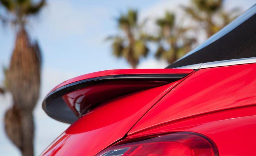 2013 Volkswagen Beetle convertible turbos - Slide 29