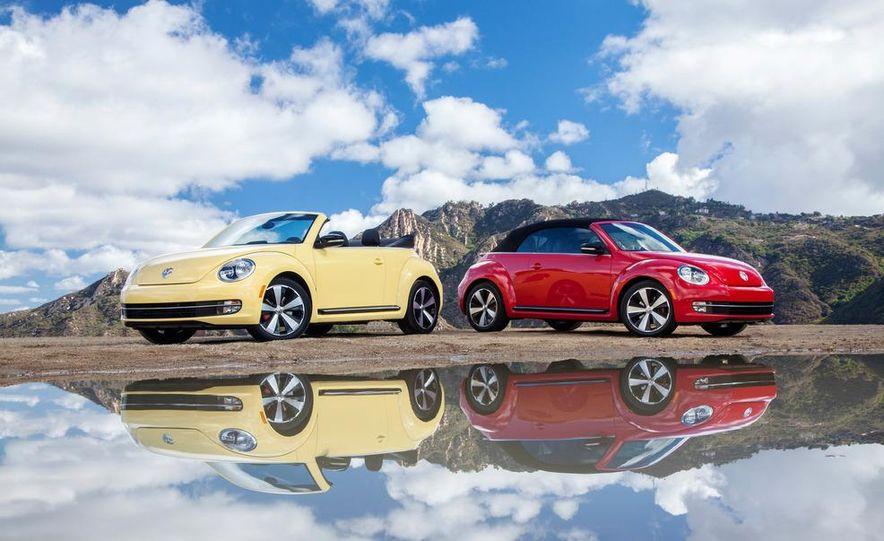 2013 Volkswagen Beetle convertible turbos - Slide 1