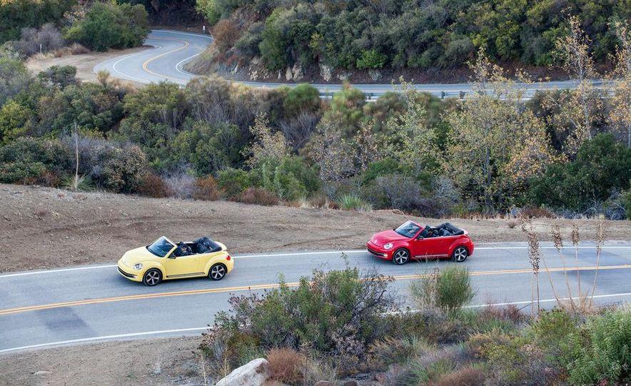 2013 Volkswagen Beetle convertible turbos - Slide 3