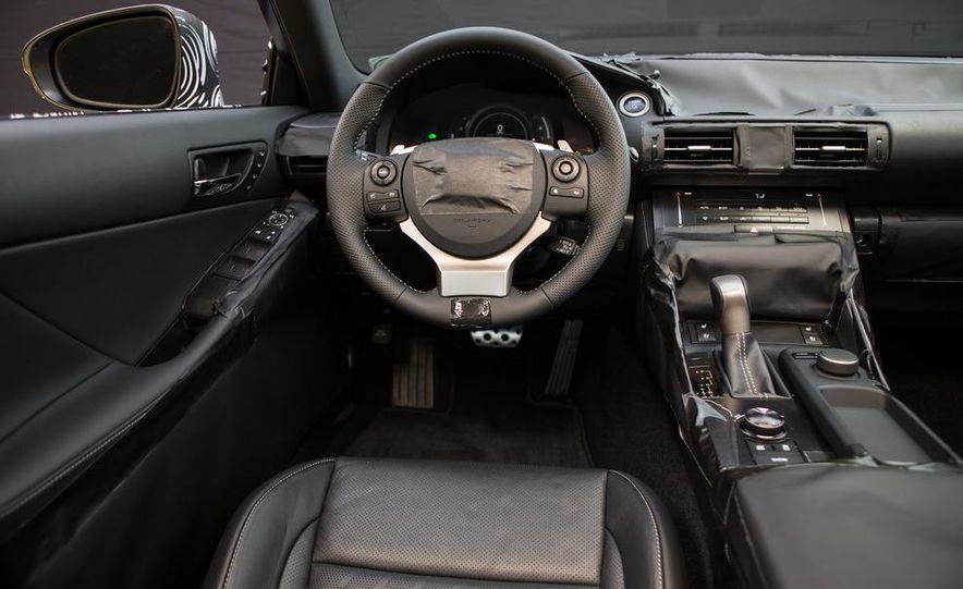 2014 Lexus IS - Slide 32